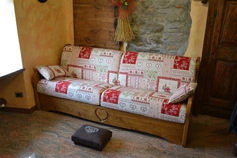 divani letto con struttura in legno divani e poltrone con struttura in legno mobili