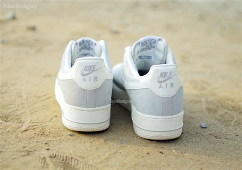 Nike Air Max Command Leather 381 by Nike Air One Low Blazer Grise Gommage Yves
