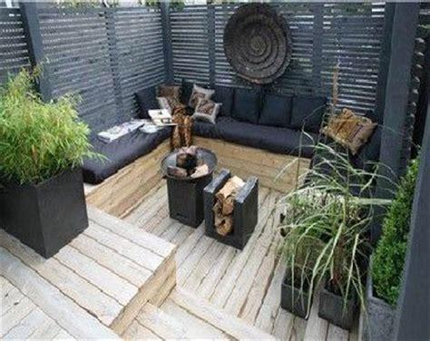 Supérieur Deco Jardin Zen Pas Cher #8: terrasse-zen-en-bois-et-noir-pour-coin-salon-de-jardin.jpg