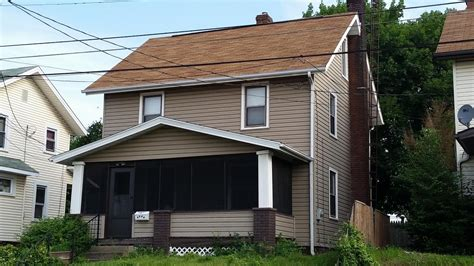 canton oh vinyl 2 story investment home near aultman