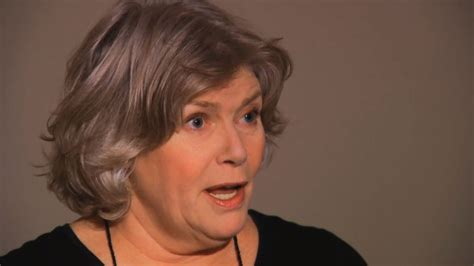 concealed carry permit story kellie mejdrich actress kelly mcgillis receives concealed carry permit