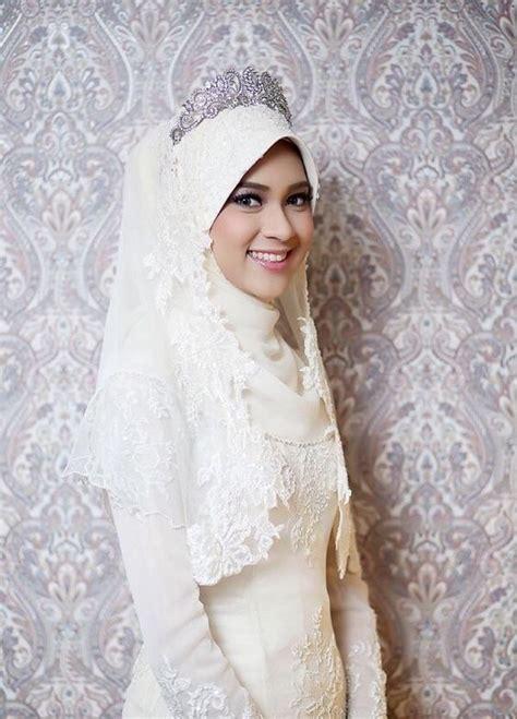 Jilbab Lebar 14 inspirasi gaun pengantin syar i berwarna putih til