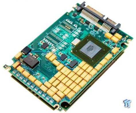 ssd capacitor intelliprop hydra sata bridge ipa sa117a br review tested with four intel dc s3700 ssds