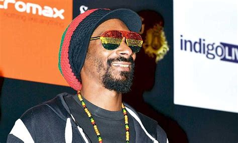 Uk To Snoop Dogg No Visa For You by Blogs Of The Day Snoop Dogg Is A Feminist Now Daily