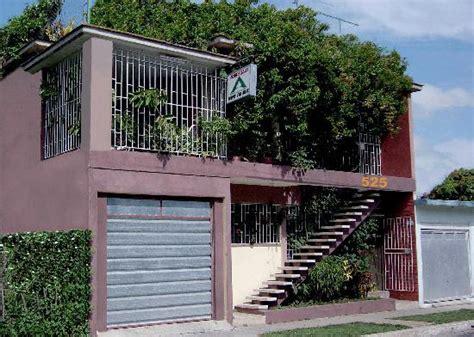 come si valuta una casa esterno garage foto di casa particular miriam guerra