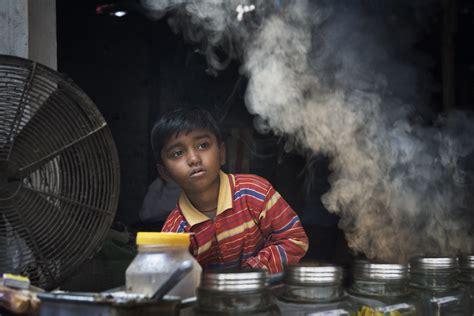 St Kid file india varanasi kid smoke fan 0211 jpg wikimedia commons