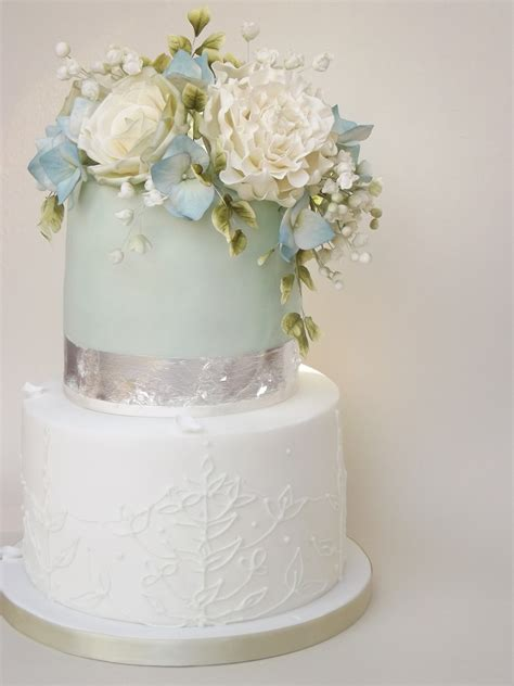 1000 images about engagement cake on sugar sugar flowers wedding cakes berkshire