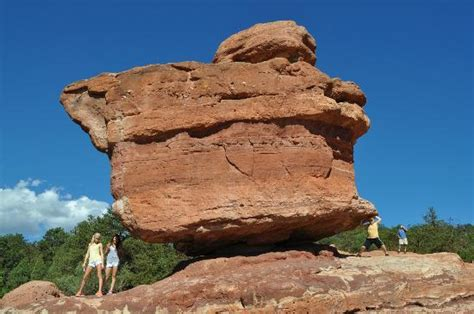 Balanced Rock Garden Of The Gods Balancing Rock Picture Of Garden Of The Gods Colorado Springs Tripadvisor