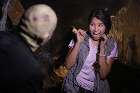 2016 haunted house attractions in metro