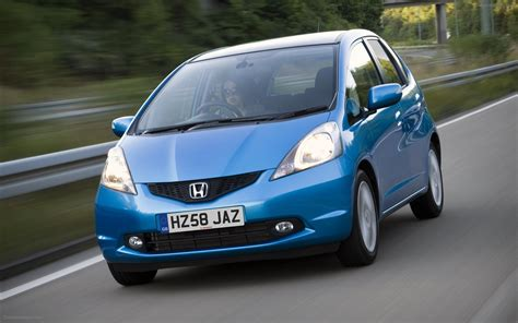 Honda Jazz At 2011 honda jazz 2011 widescreen car wallpapers 02 of 36