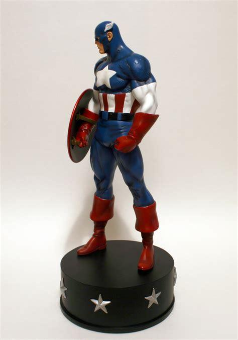 Classic Bags From Bown Designs by Bowen Designs Captain America Classic Statue 003 Fandomania
