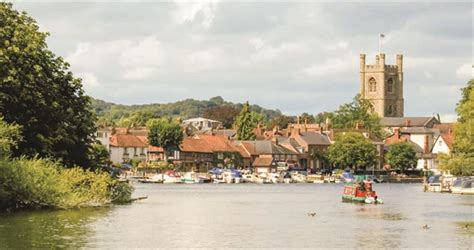 thames river arms iffley lock on the river thames visit thames