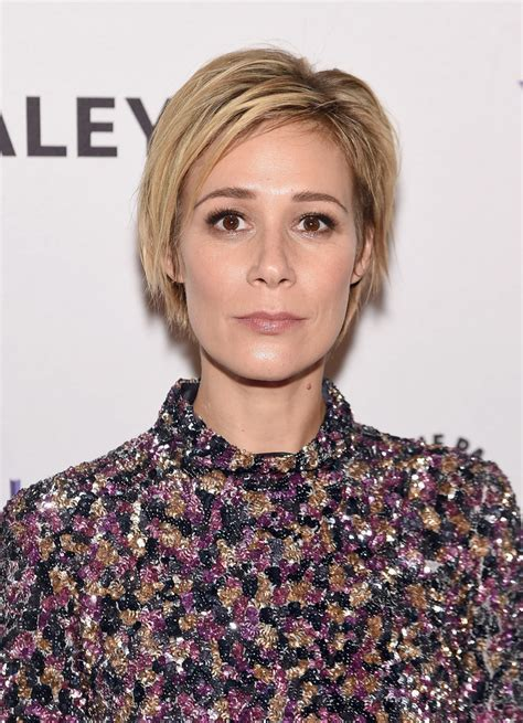 liza weil pics with short hair liza weil layered razor cut short hairstyles lookbook