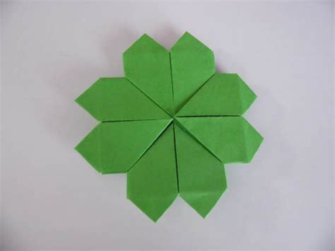 Clover Origami - how to make an origami four leaf clover origami