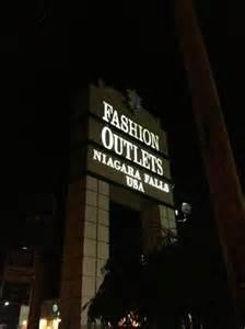 Fashion outlets of niagara falls usa entrada al outlet