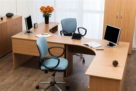 5 expert tips for choosing the office furniture