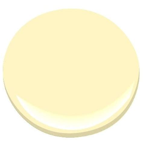benjamin provence a soft subtle yellow no green or orange undertones benjamin