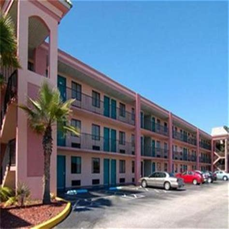 comfort suites maingate west quality inn maingate west kissimmee deals see hotel