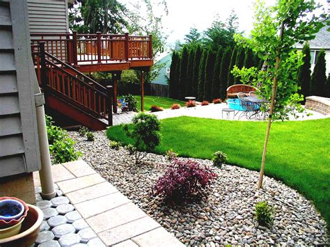 narrow backyard landscaping ideas narrow backyard design ideas best small backyards on