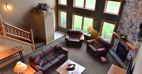 4 bedroom condo 4 bedroom frontier condo wilderness resort wisconsin dells