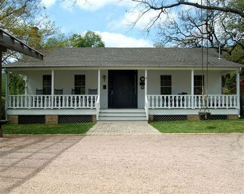 ranch style house ranch style and front porches on