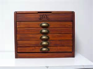 meuble de rangement dmc boite 224 couture vintage tout en