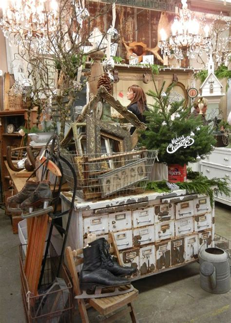xmas antique booths 215 best images about booth displays flea market ideas on wire baskets jewelry