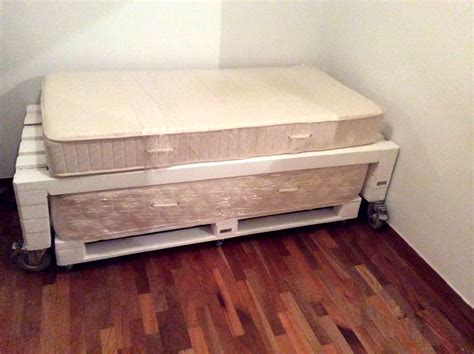 pallet toddler bed 10 ideas about pallet bed frames 99 pallets