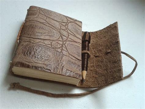 tutorial como fazer um sketchbook 25 melhores ideias de arte em couro no pinterest