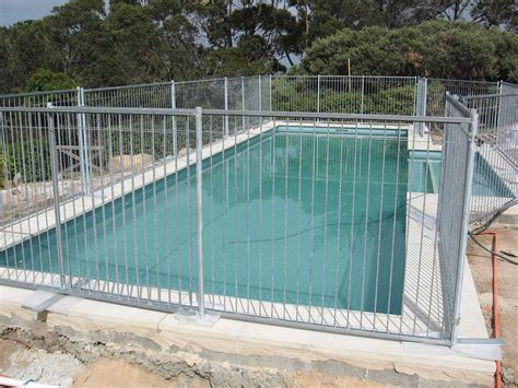 temporary fence pool safety fencing temporary fencing