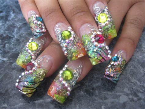 imagenes de uñas acrilicas con muchas piedras u 241 as decoradas con muchas piedras imagui