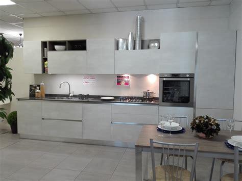 outlet della cucina cemento spatolato outlet della cucina