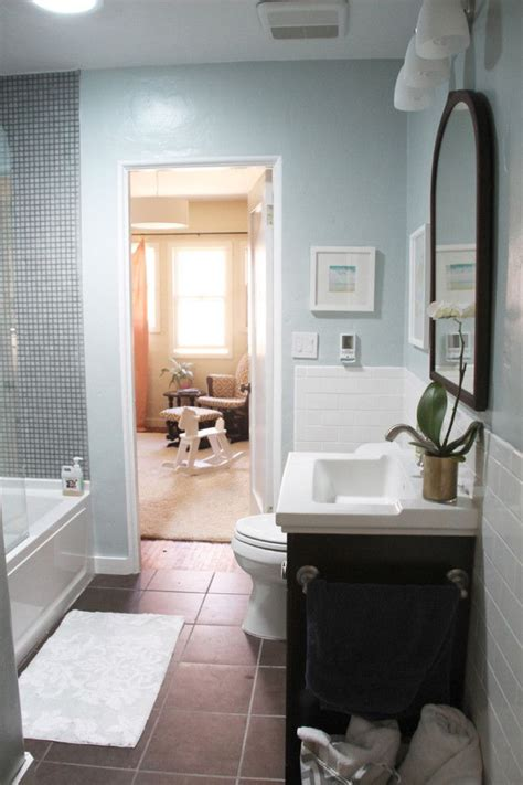 light blue and black bathroom decorating ideas