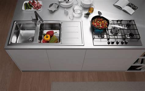 lavello cucina prezzi lavelli da cucina in materiali diversi cose di casa
