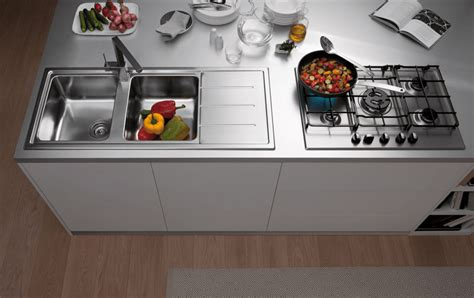 lavello cucina franke prezzi lavelli da cucina in materiali diversi cose di casa