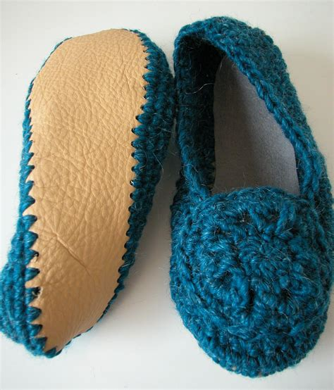 crochet slippers crochet slipper class the knit cafe