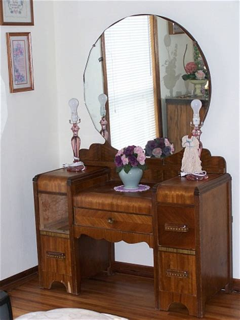 Vintage Dresser Vanity by Thrift Store Junkies Vintage Vanity Dresser With Mirror
