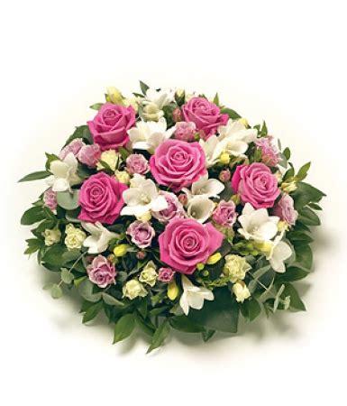 coussin de fleurs deuil livraison fleurs deuil coussin obs 232 ques et blanc