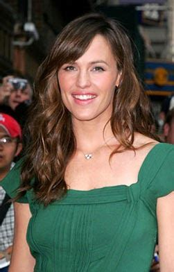 Get A Tone Green Dress Like Garners From Appearance On Letterman by The Glam Guide Garner On Late Show With David