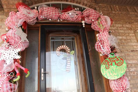 cents worth christmas door swag  easy