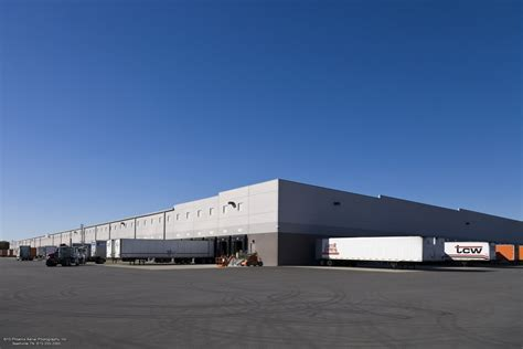 Nissan Warehouse by Nissan Warehouse Facility Construction The Opus