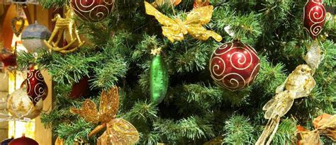 the truth about the german christmas pickle tradition