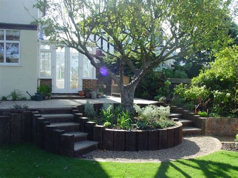 Circular Planters Around Trees by Circular Wood Planter Boxes Surrounding The Trees