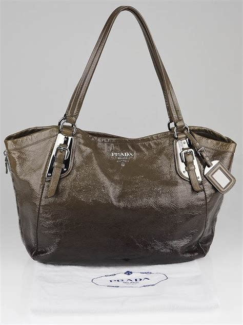 Prada Ombre Patent Leather Tote by Prada Mirtillo Ombre Patent Leather Zipper Tote Bag