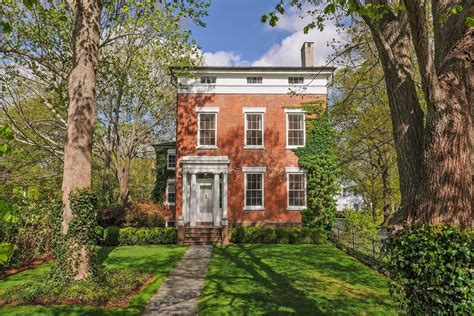 kdhamptons featured property  histocial
