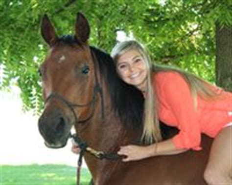 donna bionda con il cavallo immagine stock immagine ragazza bionda con il cavallo fotografia stock immagine
