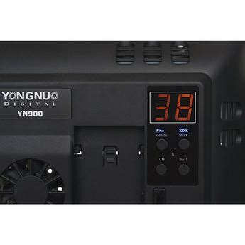 yongnuo yn 900 led light 3300 5500k flash and continuous lighting at unique photo