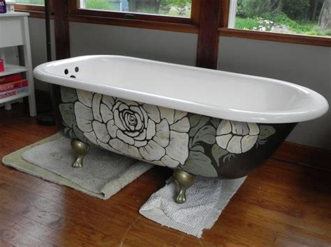 how to paint an old bathtub painting the exterior of your clawfoot bathtub this is a