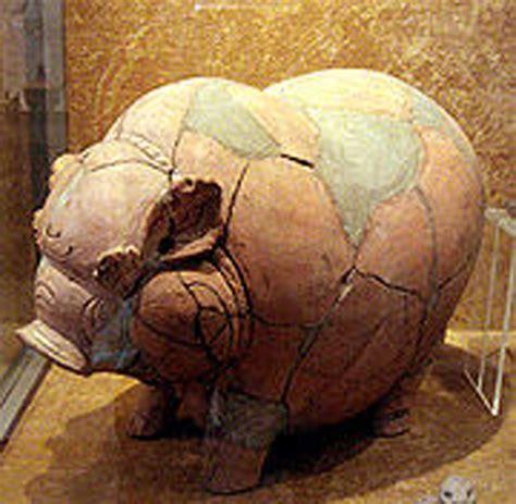 Celengan Babi Nungging Piggy Bank kerajaan majapahit bukan legenda tapi fakta bagi bagi info