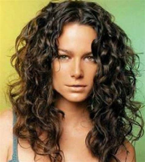 hairstyle for oval face shape three different styles and